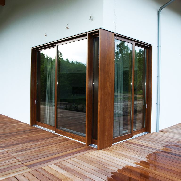 Okna drewniane i drzwi balkonowe